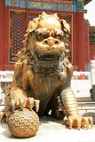 中国监护人狮子的雕象-紫禁城-北京-中国 免版税库存图片