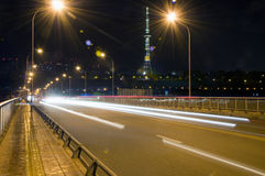中国科学技术城市-绵阳市在晚上 库存图片