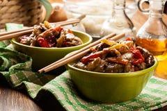 中国稠粘的猪肉牛腩烤了与一甜和美味sauc 免版税库存图片