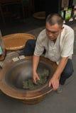中国茶工匠 库存图片