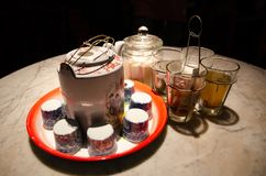 中国茶杯集合和一束调味品 免版税库存照片