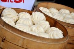 中国蒸的小圆面包 库存图片