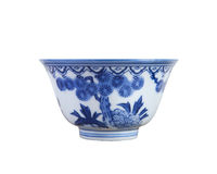 中国蓝色和白色瓦器茶杯 库存图片