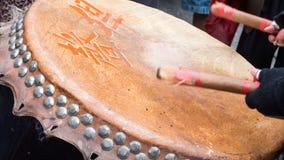 中国街道新年的节日的鼓手 图库摄影
