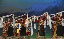 中国西藏种族舞蹈演员 免版税库存图片