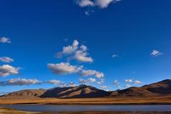 中国西藏雪云彩 免版税库存照片