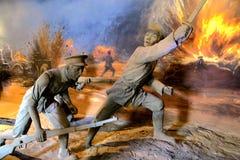 中国革命士兵雕象红色房间的 免版税库存照片