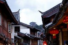 中国风格屋顶在古城丽江,云南,中国 库存图片