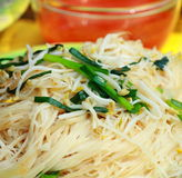 中国食物油煎的面条混乱 库存照片
