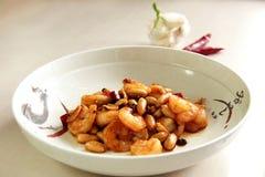 中国食物:Kung Pao虾用花生 免版税库存照片