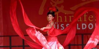 中国马戏舞蹈演员丝绸状态 库存照片