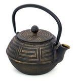 中国黑茶壶被隔绝在白色背景 免版税库存图片