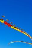 中国龙型风筝飞行 免版税图库摄影