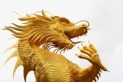 中国龙金黄雕象 免版税图库摄影