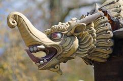 中国龙顶头雕刻 免版税库存照片