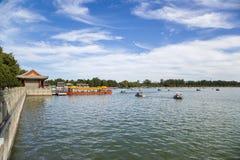 中国,北京 北京宫殿夏天 昆明湖,停泊 库存图片