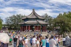 中国,北京 夏天故宫 八个维度亭子或亭子宽广的远景(Kuoruting) 库存照片