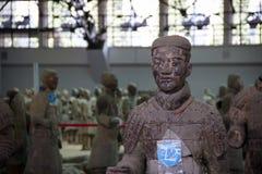中国,羡- 3月14 :砰地作声马勇, 3月的14日赤土陶器军队 免版税库存照片