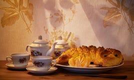 中国黏土托起木饮用的糖表茶的茶壶二 免版税库存图片