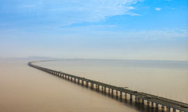中国` s杭州湾跨海大桥 免版税库存图片