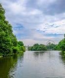 中央伦敦,英国- 2017年5月11日:伦敦看法从蓝色的 免版税库存照片