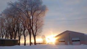 中央俄勒冈多雪的日落农场 免版税库存图片