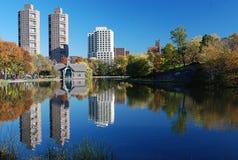 中央公园反映 免版税库存图片