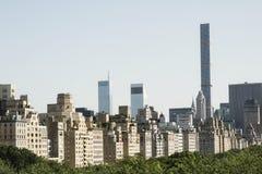 中央公园和曼哈顿skycscrapers 库存图片