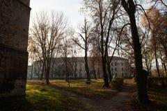 中央公园在堡垒附近的Berezhany 库存照片