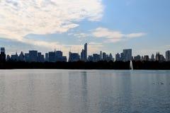 从中央公园的中间地区 免版税库存照片
