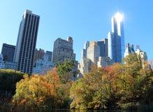 从中央公园的纽约地平线在曼哈顿 图库摄影