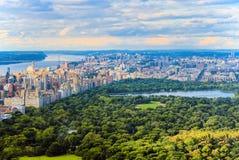 中央公园看法在从摩天大楼` s observat的曼哈顿 免版税库存照片