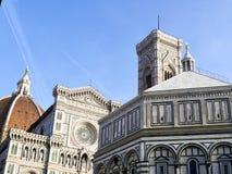 中央寺院二在一个晴朗的早晨采取的佛罗伦萨的照片 免版税库存图片