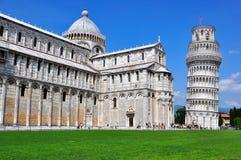 中央寺院倾斜比萨塔的意大利 库存图片