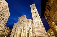 中央寺院和Giotto的钟楼 库存照片
