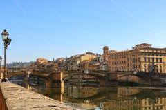 中央寺院圣玛丽亚del圣乔瓦尼菲奥雷和洗礼池的细节,在FirenzeBeautiful佛罗伦萨, Ponte Vecchio 免版税库存照片