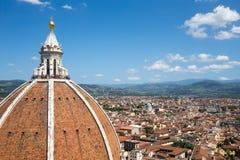 中央寺院圣玛丽亚del菲奥雷Dome在有拷贝空间的佛罗伦萨意大利 免版税库存图片