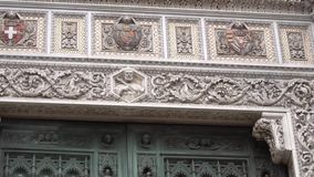 中央寺院,大教堂圣玛丽亚del菲奥雷 结构上详细资料大梁玻璃购物中心被反射的购物 股票录像