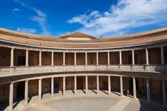 中央庭院在阿尔罕布拉宫宫殿在格拉纳达西班牙 免版税库存照片