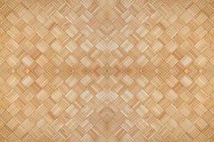 中央木方形的纹理样式背景 免版税库存图片