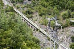 中央水力发电的传递途径杆次幂 免版税库存照片
