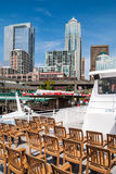 中央江边和街市西雅图视图  免版税库存图片