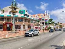 中央街道在Oranjestad,阿鲁巴 免版税库存照片