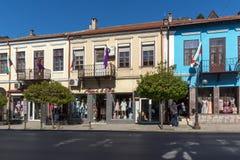 中央街道的老议院在市大特尔诺沃,保加利亚 库存图片