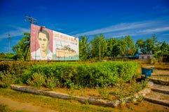 中央路,古巴- 2015年9月06日:共产主义宣传广告牌 免版税库存照片