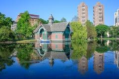中心中央查尔斯dana发现新的公园美国约克 达娜发现中心-中央公园,纽约 免版税库存照片