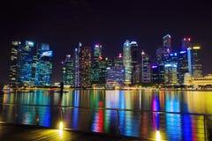 中心商务区新加坡大厦看法在晚上 免版税库存照片