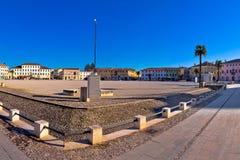 中心广场在帕尔马诺瓦全景镇  免版税库存图片