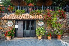 中心广场在费埃特文图拉岛海岛,西班牙上的贝坦库里亚村庄 库存照片