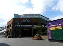 中心法院、所有英国草地网球运动和槌球俱乐部 Wimbledon,英国 免版税图库摄影
